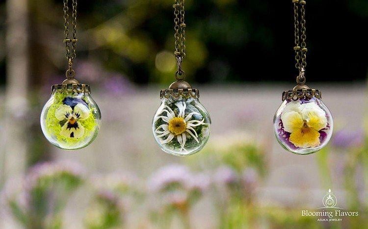 moss flower pendants