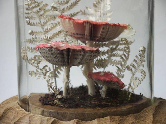 mushroom sculpture side