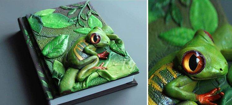 polymer-clay-book-covers-by-aniko-kolesnikova-frog