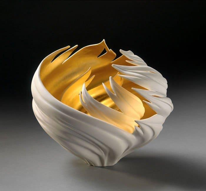 porcelain-gold-leaf-sculpture-vase