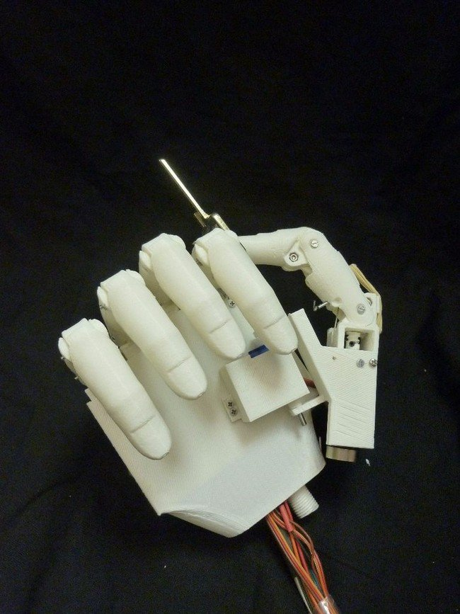 prosthetic hand closed