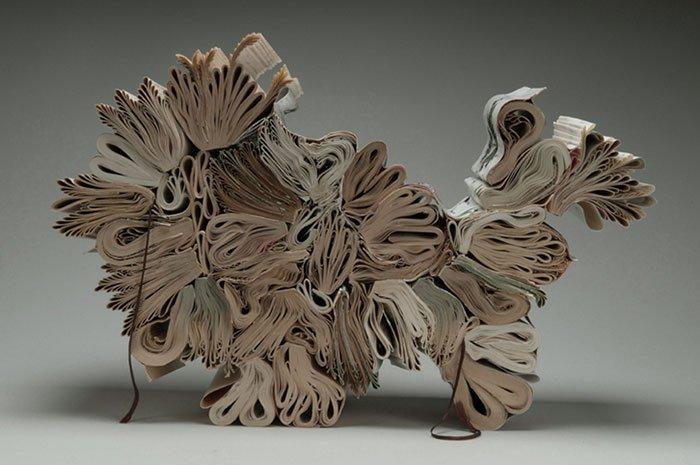rush-lee-book-sculpture-ipsum