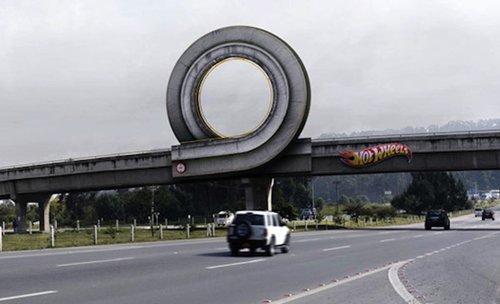 street-ads-hotwheels