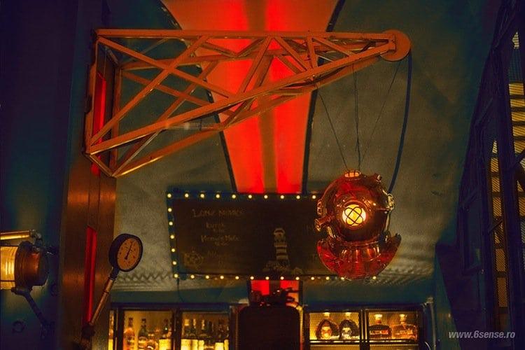 sub-pub-light