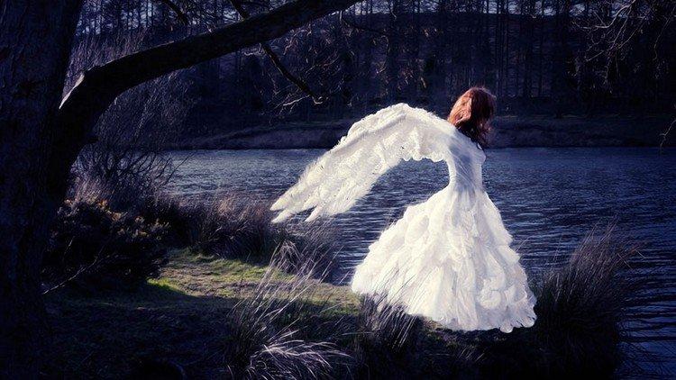 swan woman lake