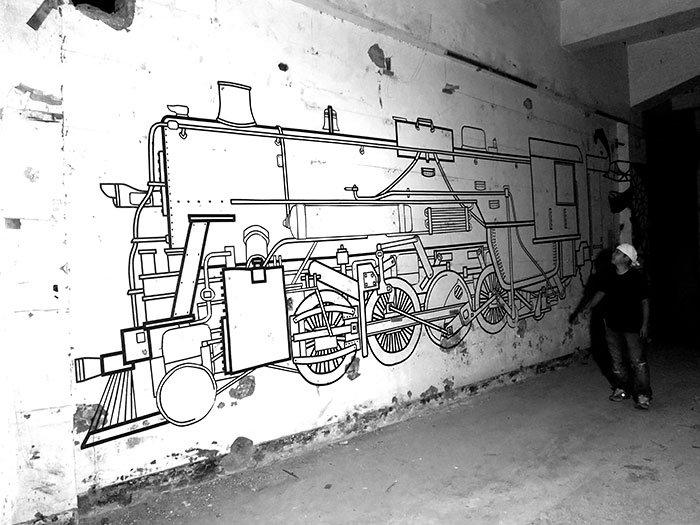 tape-street-art-buff-diss-train