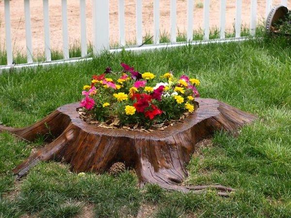 tree-stump-planter-pansies
