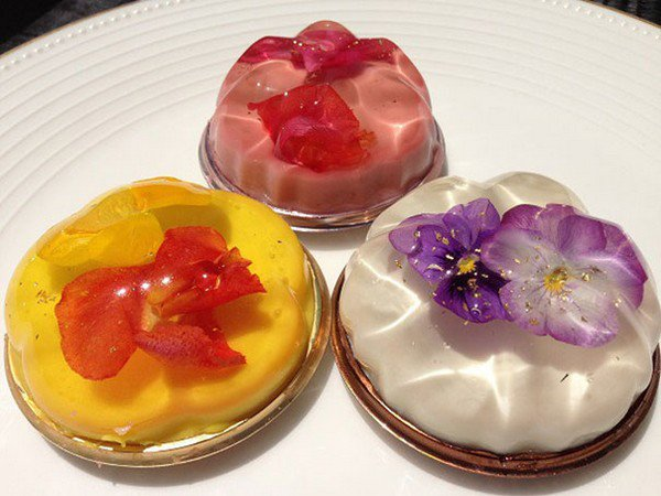 trio floral desserts