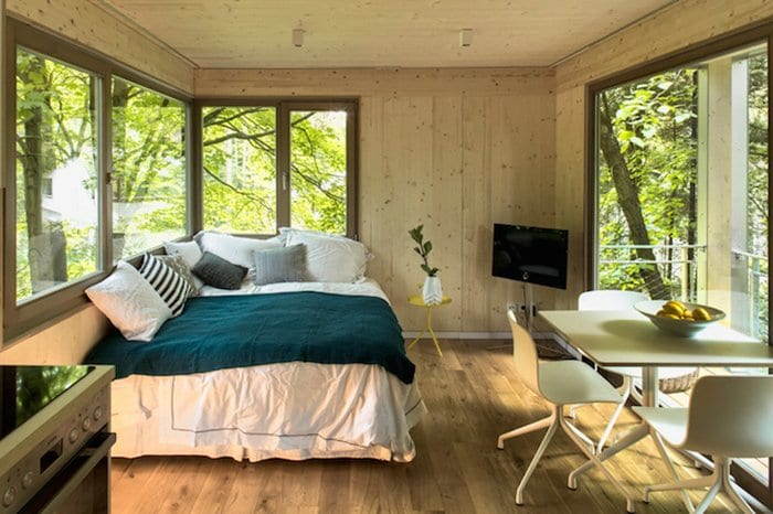 urban-treehouses-inside-bedroom
