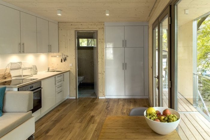 urban-treehouses-inside-kitchen