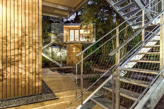 urban-treehouses-ouside-stairs