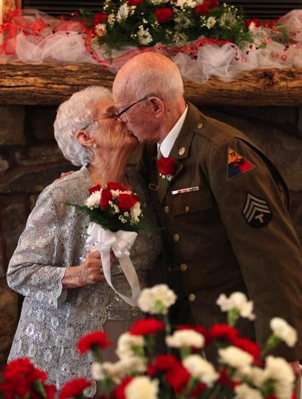 wedding-elderly-war