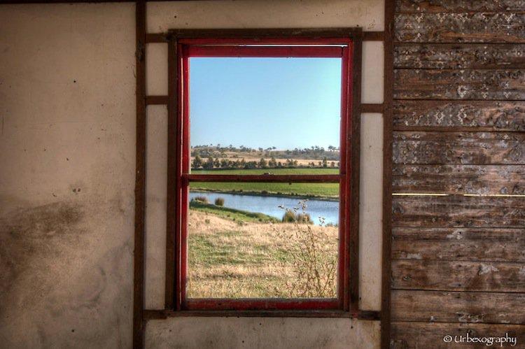 window-red