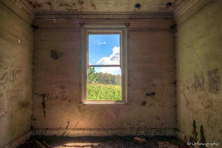 window-small