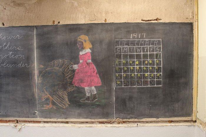 100-year-old-chalkboard-drawings-girl