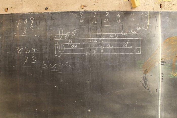 100-year-old-chalkboard-drawings-music