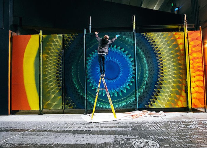 Hoxxoh-mural-at-work