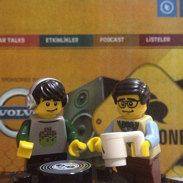 LEGO figures dj