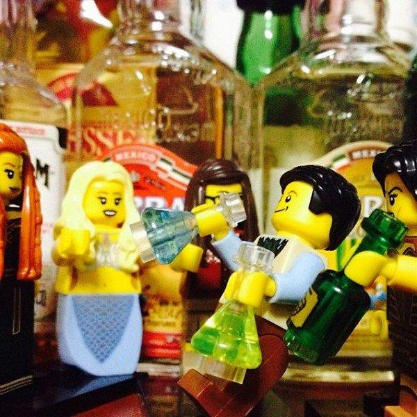 LEGO figures drinking