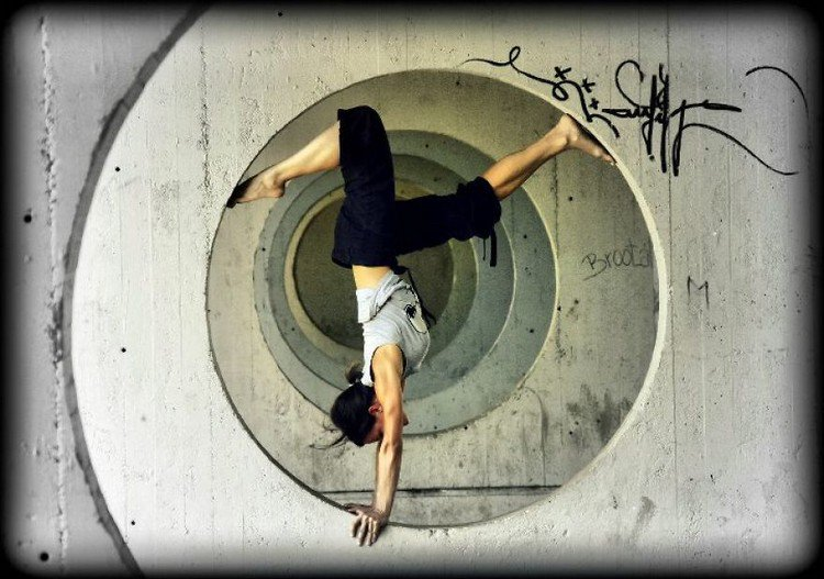 circle handstand
