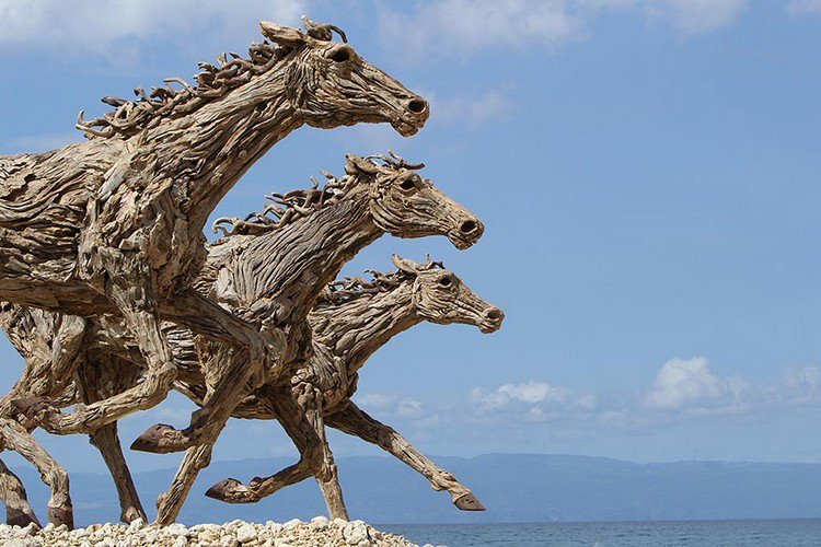 driftwood horses trio