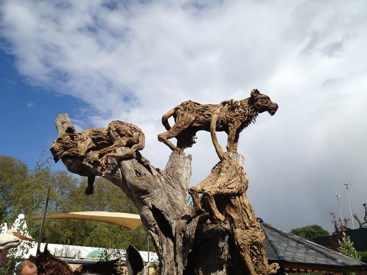 driftwood jungle animals