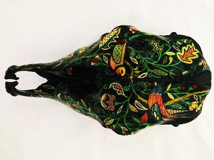 embroidery skull birds