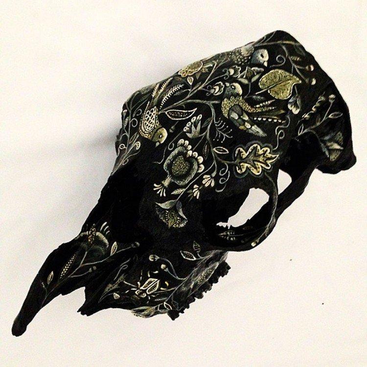 embroidery skull black birds