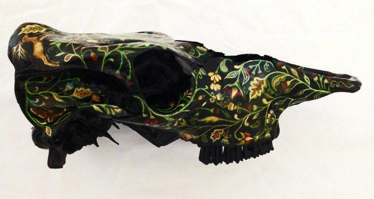 embroidery skull black teeth