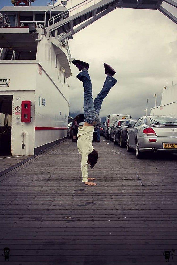 ferry handstand