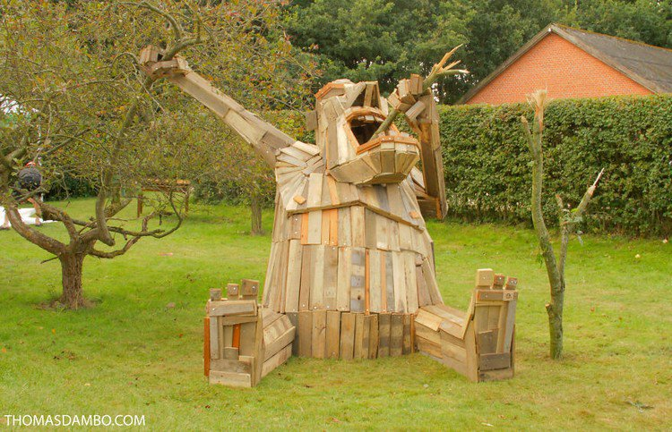 giant wood sculpture garden