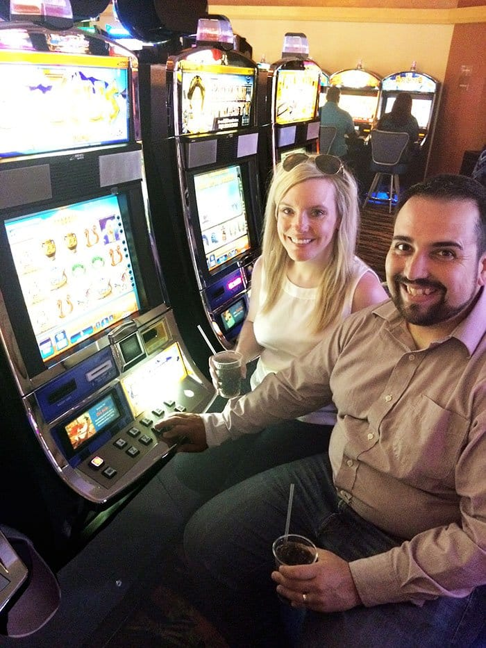happy couple casino