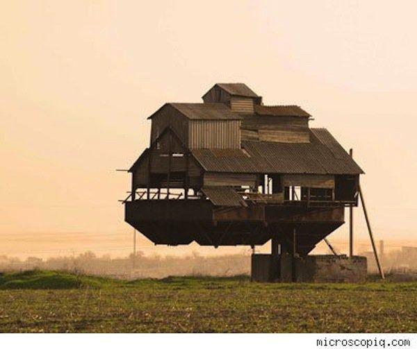 house-floating
