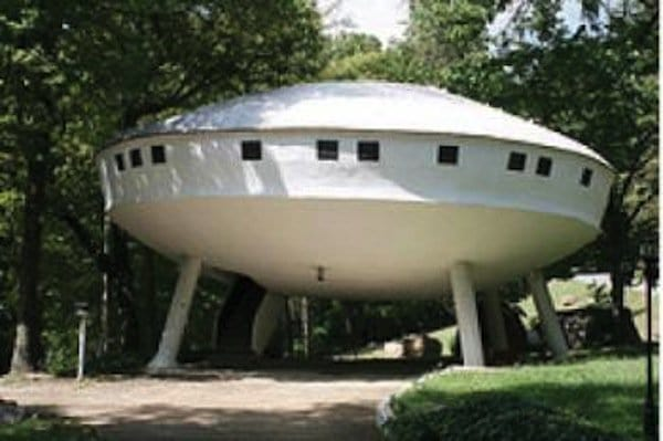 house-spaceship