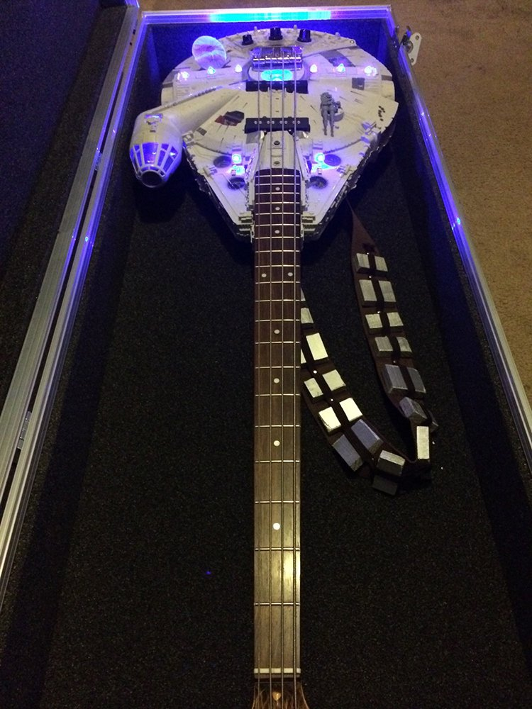 millennium-falcon-guitar-case