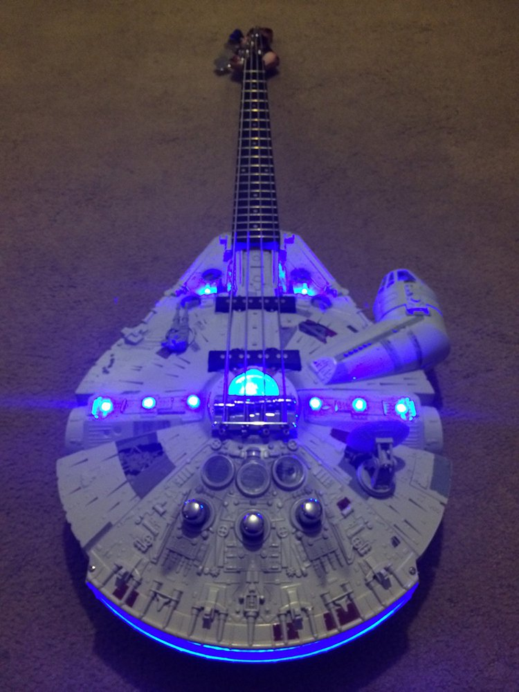 millennium-falcon-guitar-lights
