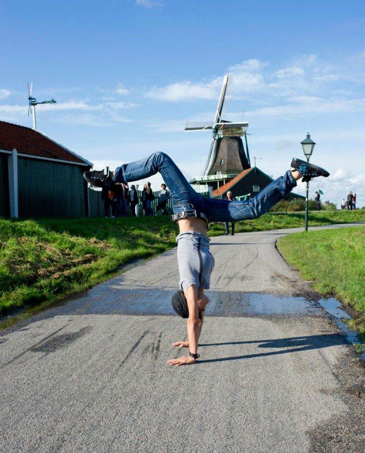 netherlands handstand