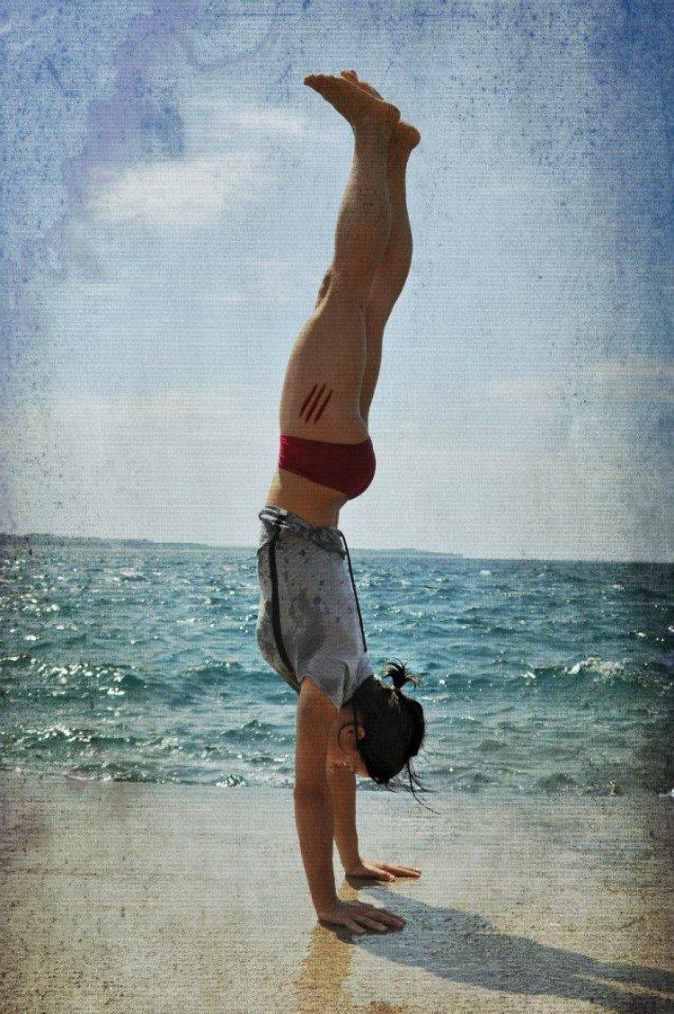 ocean handstand
