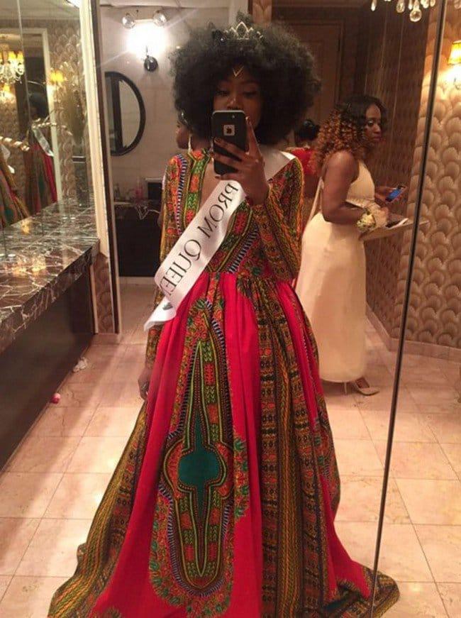 prom queen selfie