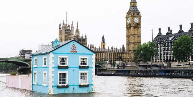 river-thames-airbnb-floating-house