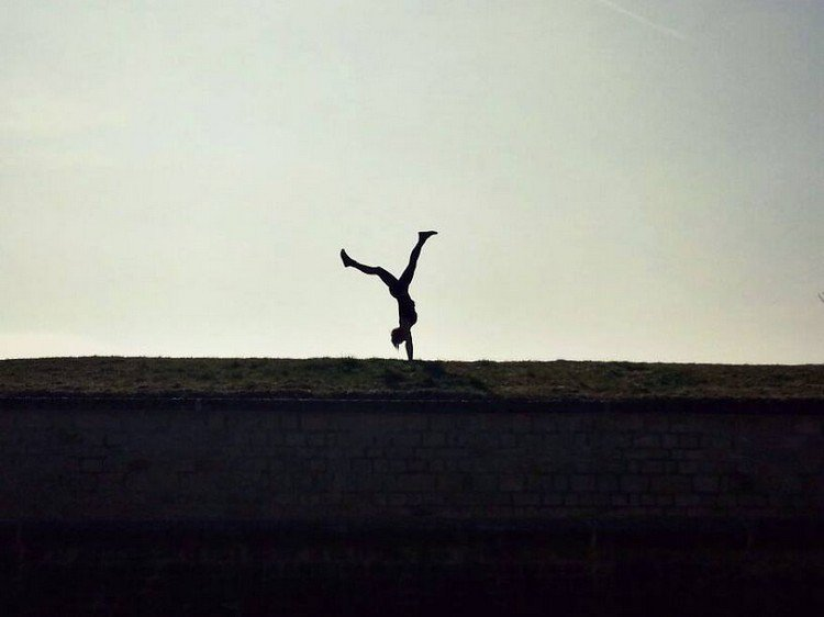 silhouette handstand