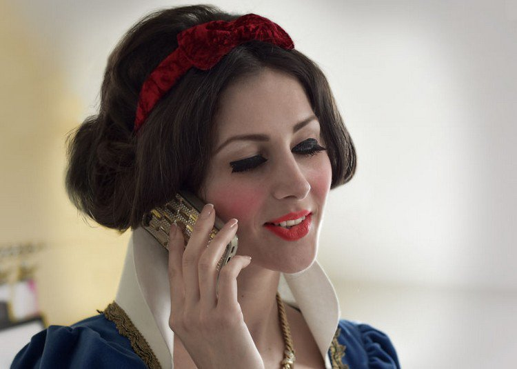 snow white phone