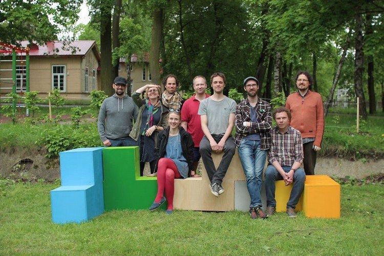 tetris furniture wall people