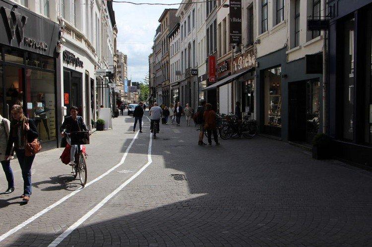 text walking lane bike