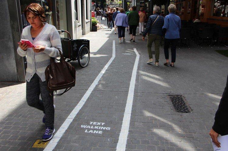 text walking lane texter