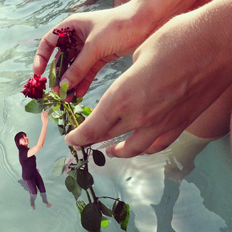 tiny woman huge hands rose