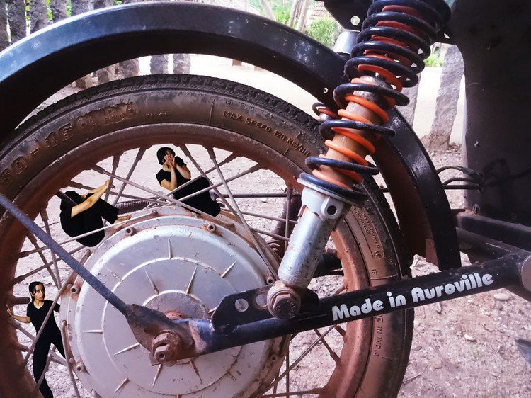 tiny women bike spokes