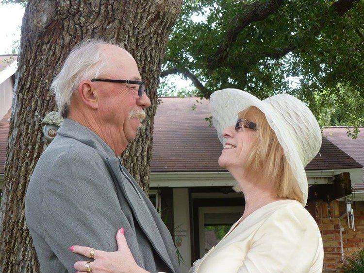 40-year-wedding-anniversary-photos-recreate-tree-next