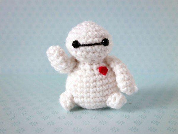 crochet figure white