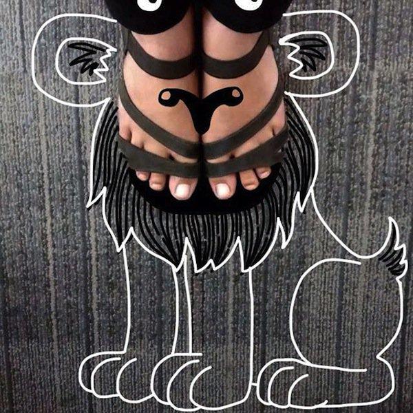 feet-lion